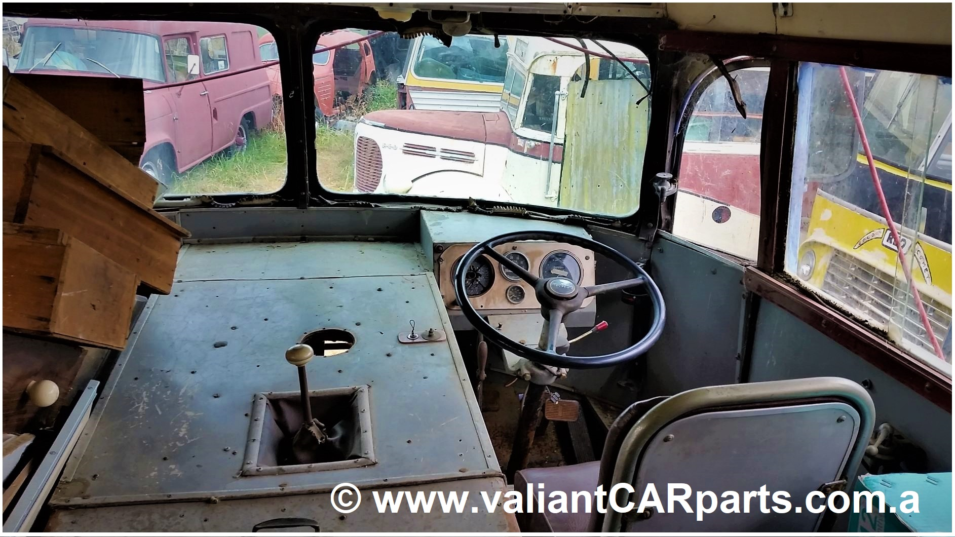 1954_WB22_WHITE_Lismore_vintage_bus_Coach_for_sale-Cockpit