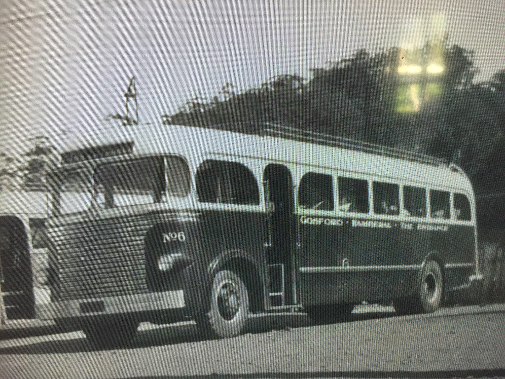 Entrance_NSW_vintage_MACK_Bus_Number_6